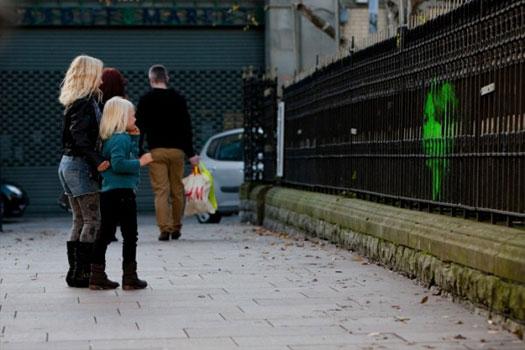 Arte urbana e speciali installazioni Mentalgassi per Amnesty International
