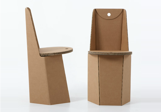 Sedia in cartone ricicalbile piega
